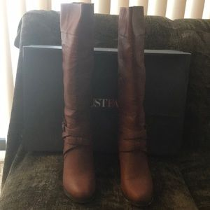👢👢 Brown Heeled Leather Boots 👢👢